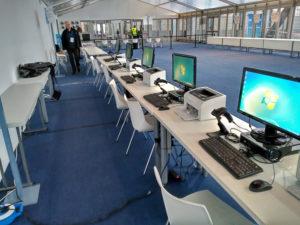 Equipamiento informático zona acreditación